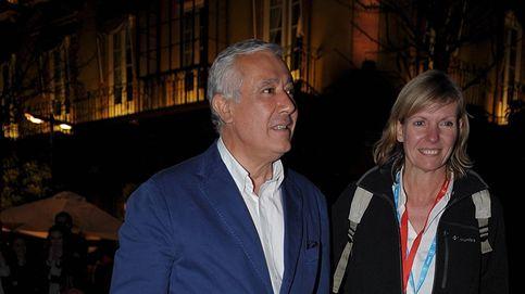 El agridulce retiro de Javier Arenas y su mujer, Macarena Olivencia