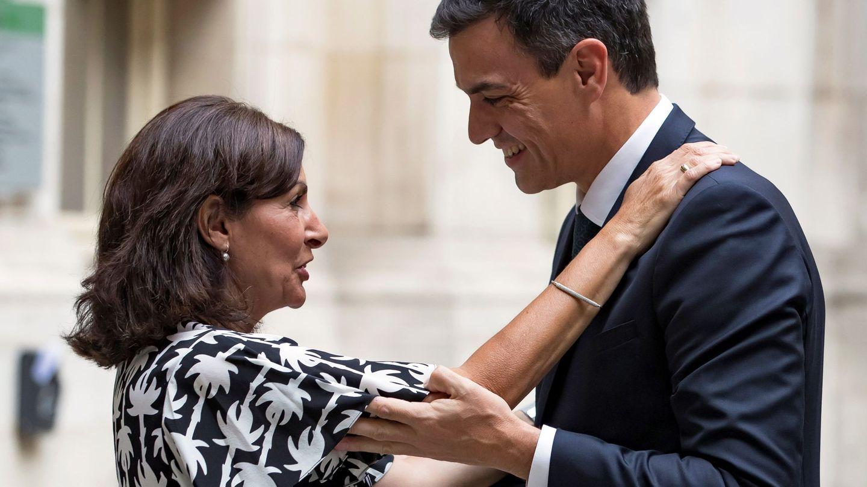 Anne Hidalgo, recibiendo a Pedro Sánchez en París en 2018. (EFE)