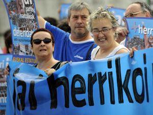 Garzón prohíbe tres actos de apoyo a presos de ETA en San Sebastián