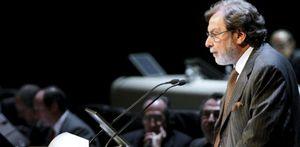 Prisa entrega gratis a Cebrián cuatro millones en acciones en pleno ajuste laboral