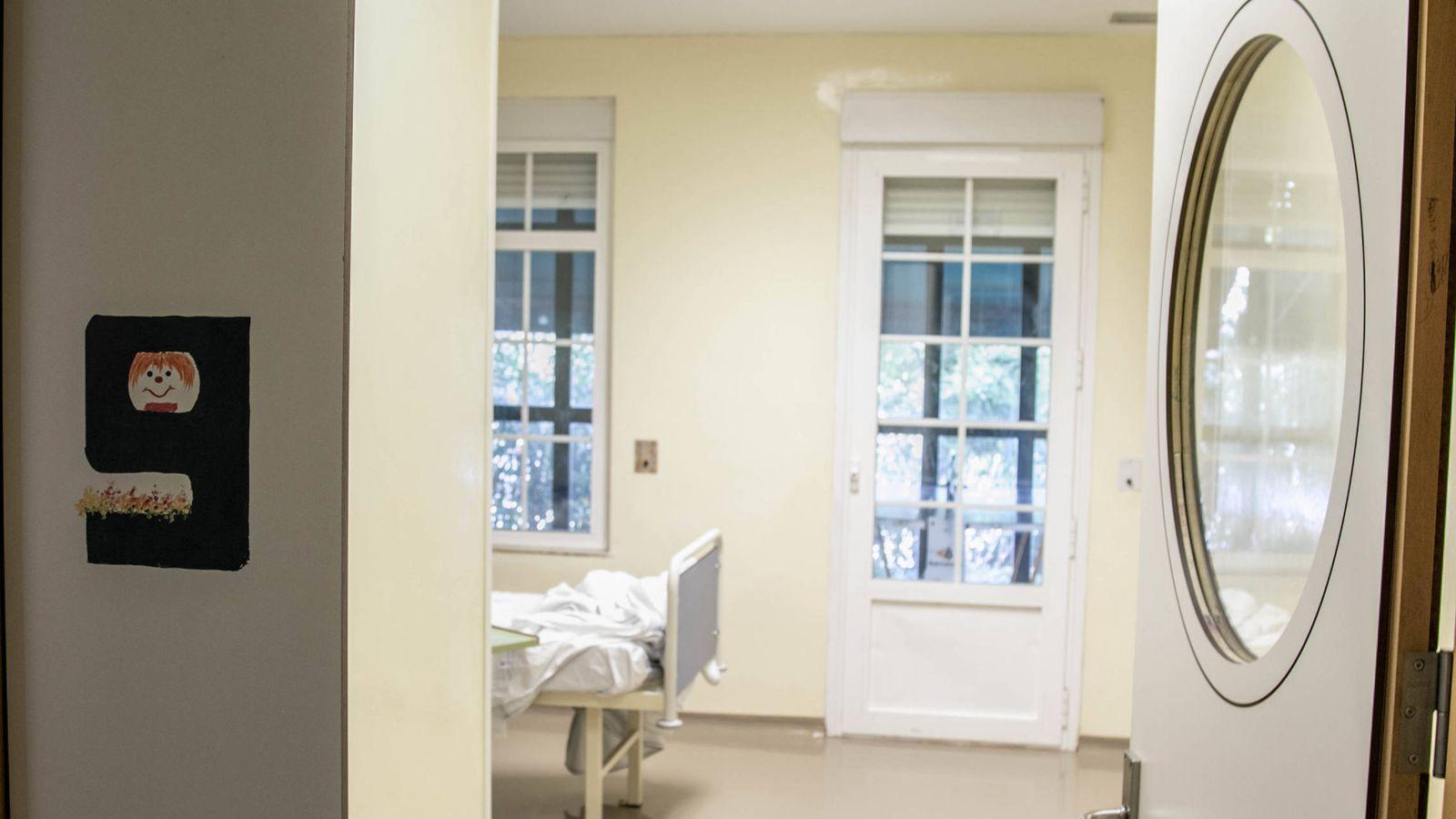 Foto: Una de las habitaciones de la unidad de trastornos alimentarios del Hospital Niño Jesús. (D.B.)