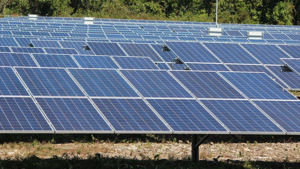 Trama solar: el TS rebaja la condena al ex alto cargo del PP y absuelve al exjefe de Iberdrola