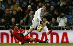 El tiro cuando tengo que pasar de Gareth Bale y el tirón de orejas que recibe