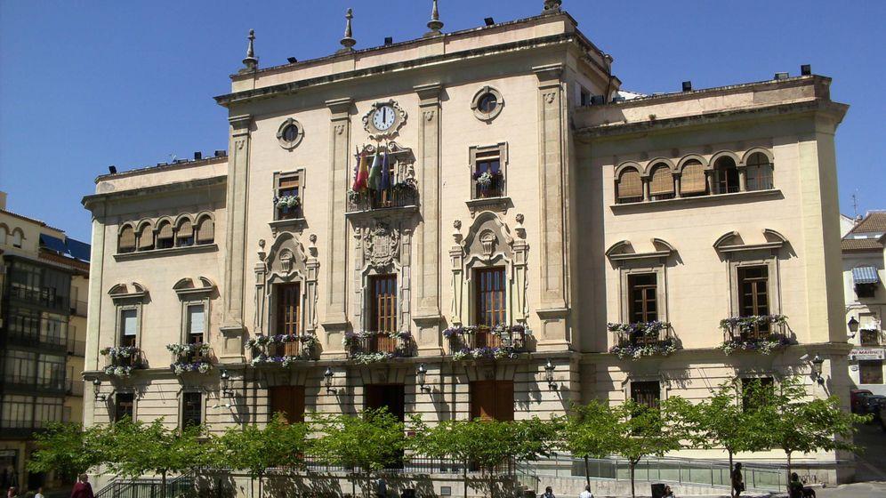Foto: El ayuntamiento de Jaén es el peor pagador de la administración local española.