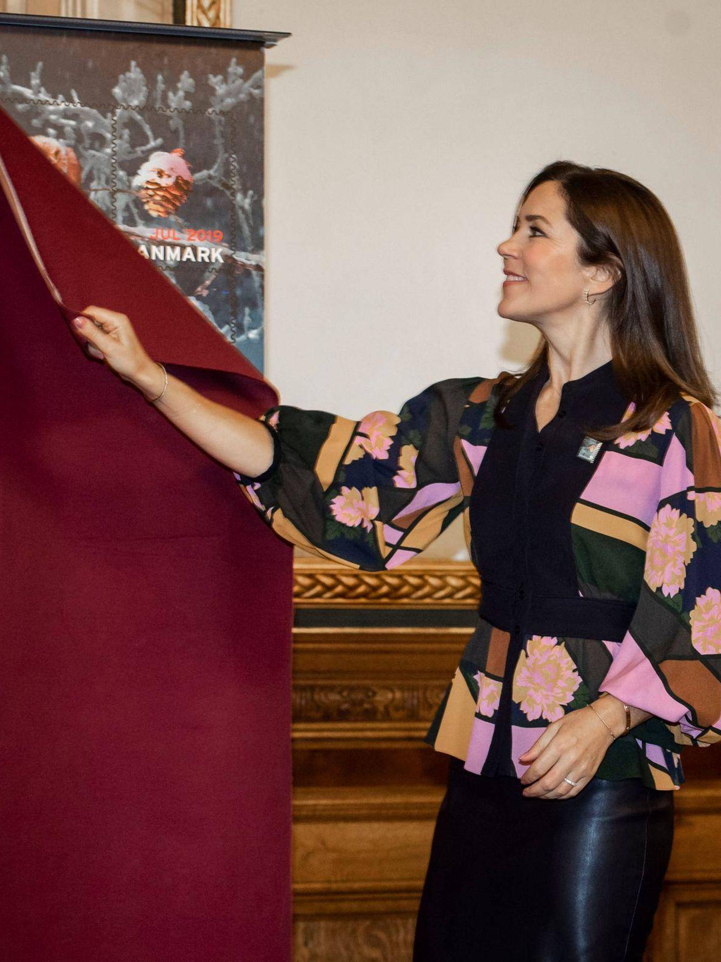 Mary y su falda de cuero. (Facebook @detdanskekongehus)