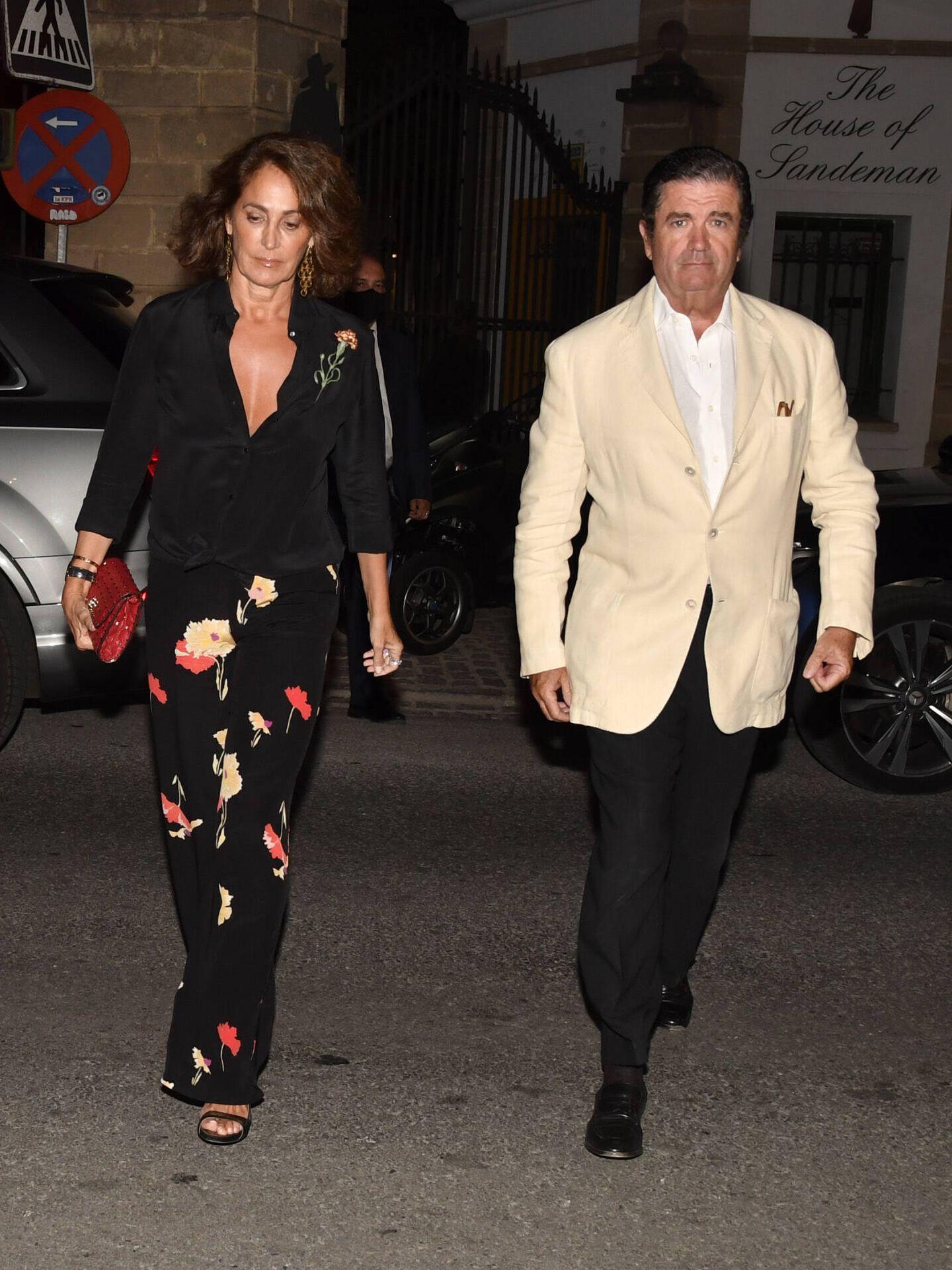 Borja Prado y su esposa, el viernes en la preboda. (Gtres)