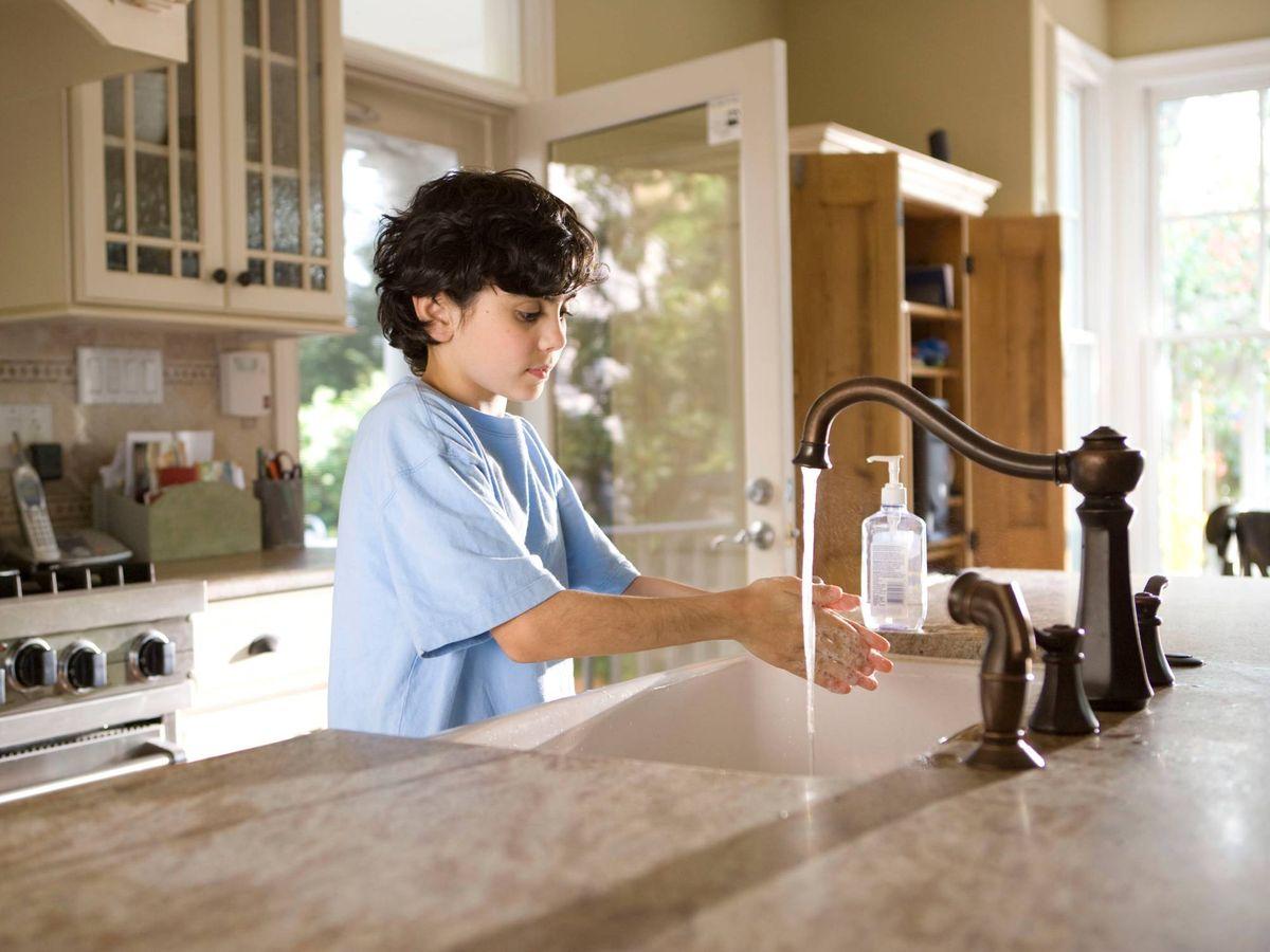 Foto: Compartir las tareas es la clave de la nueva campaña de Ariel. (Unplash)