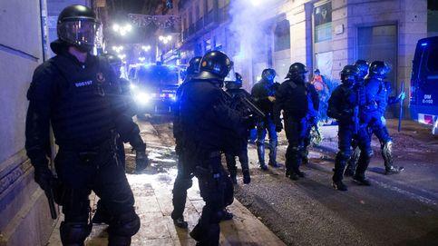 Los Mossos planean su reorganización para hacer frente a manifestantes violentos