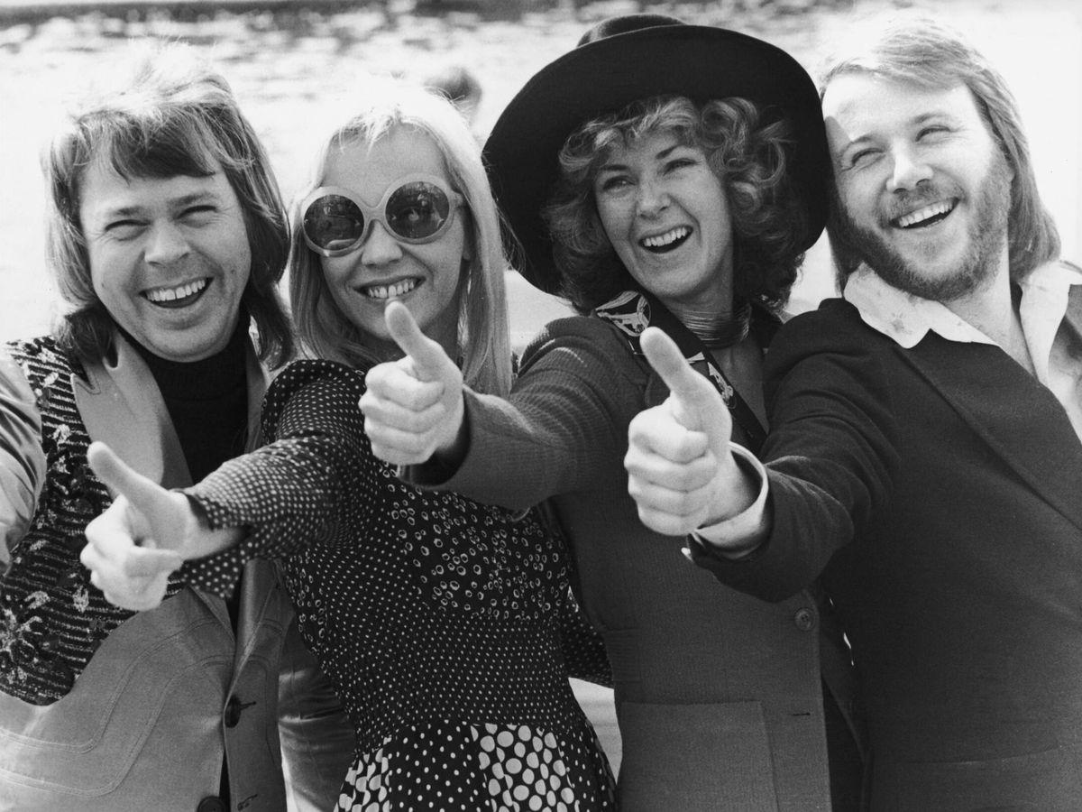 Foto: Los miembros de ABBA, tras ganar Eurovisión en 1974. (Getty)