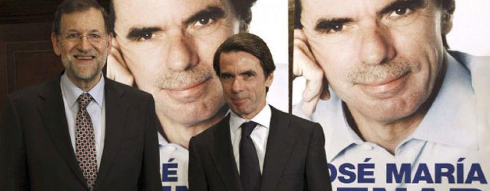 Foto: Planeta prueba con Guerra y ZP tras naufragar con las memorias de Aznar y Bono