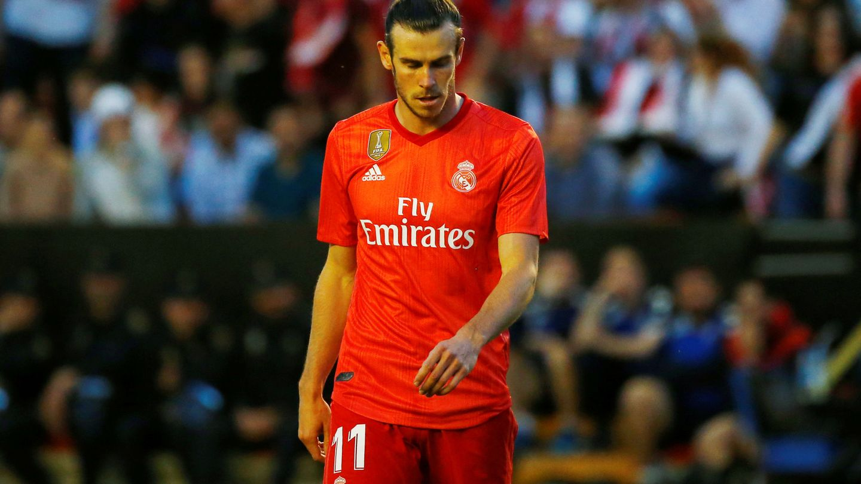 Bale, cabizbajo, en Vallecas tras la derrota contra el Rayo. (EFE)