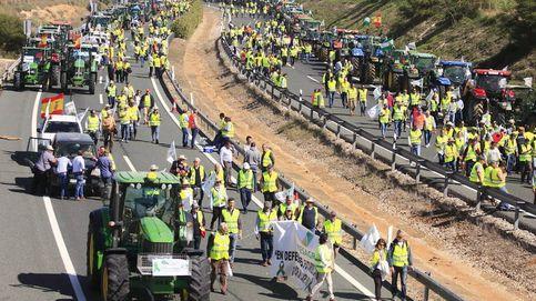El campo andaluz se levanta contra el ministro Planas por las ayudas europeas
