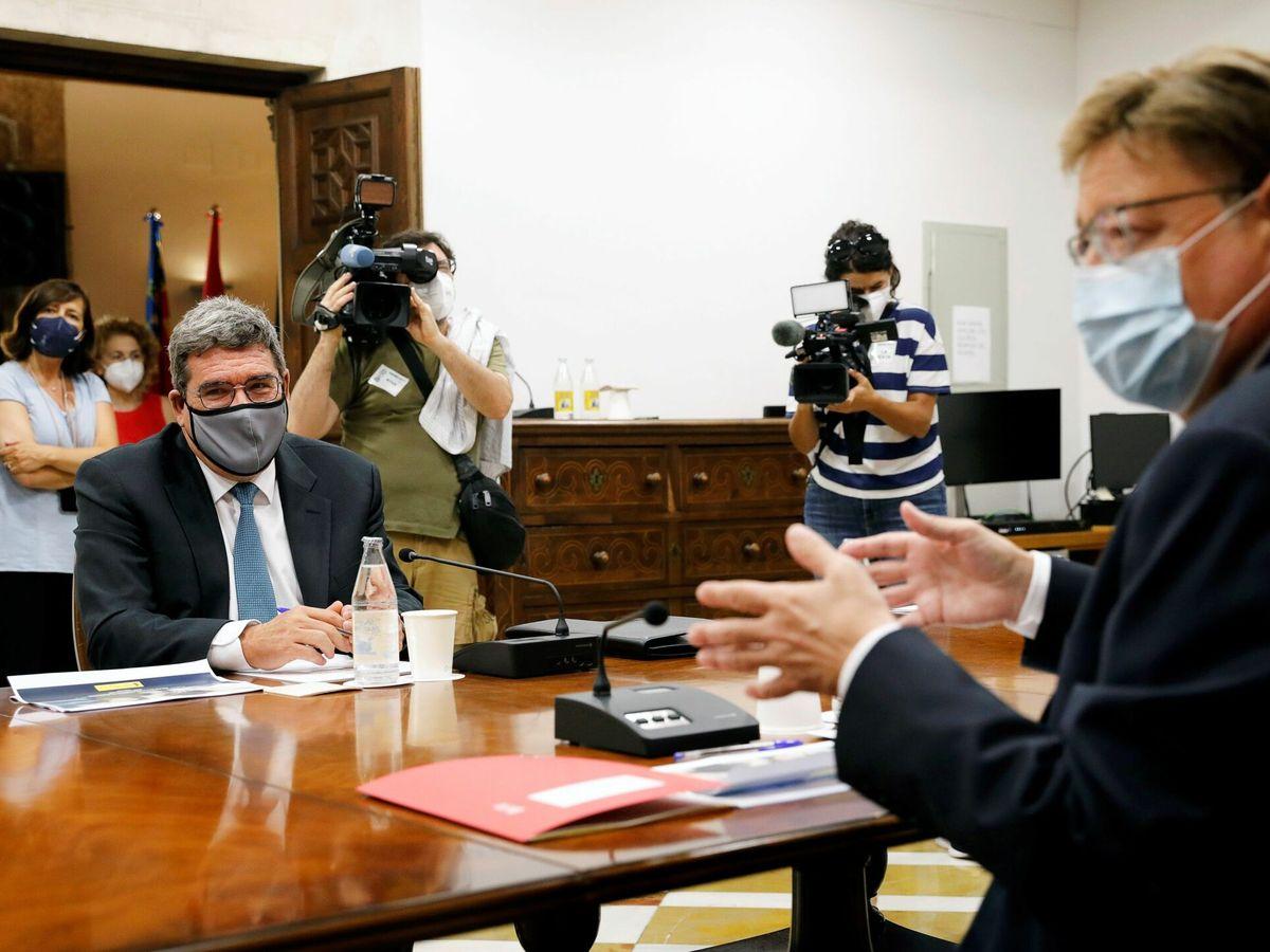 Foto: José Luis Escrivá, con el presidente valenciano, Ximo Puig. (EFE)