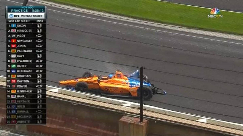 Así ha acabado Alonso con su McLaren.
