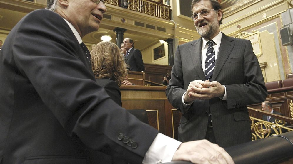 Foto: El ministro Cristóbal Montoro junto al presidente Mariano Rajoy en una imagen de archivo  (EFE)