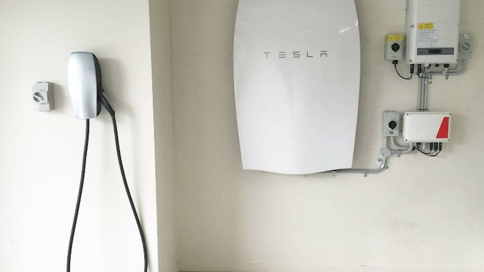 Un instalador de la batería Powerwall de Tesla: Esto en España no va a triunfar