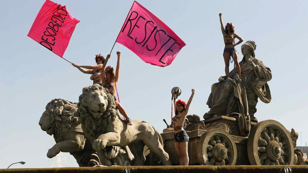 Las chicas de Femen se postulan como primeras 'víctimas' de la 'ley mordaza'