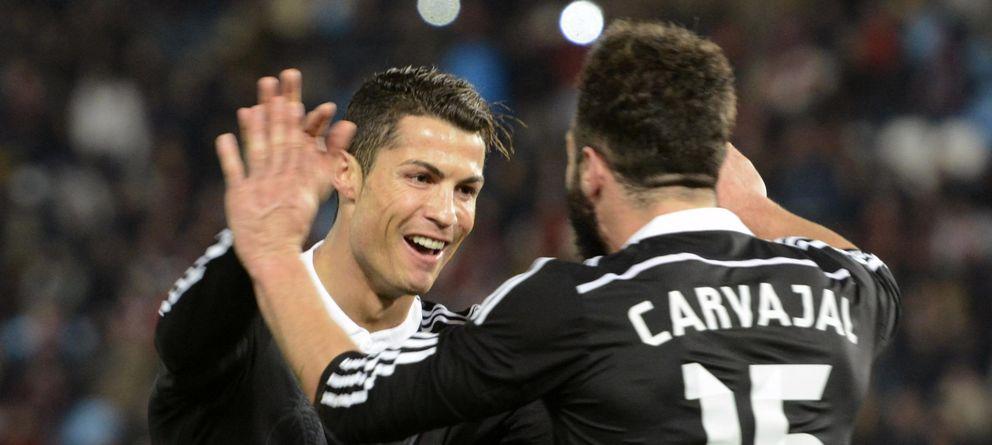 Foto: Ronaldo celebra con Carvajal su último tanto en Liga, ante el Almería.