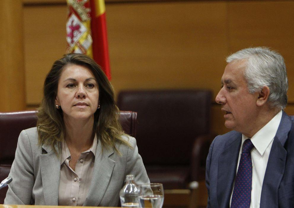Foto: María Dolores de Cospedal y Javier Arenas (EFE)