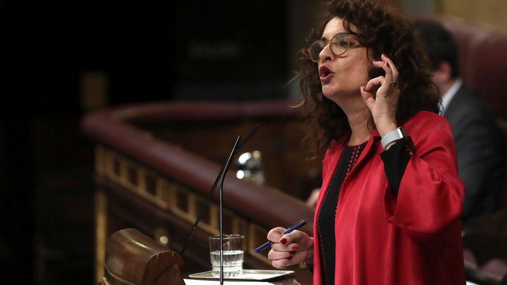 Foto: La ministra de Hacienda, María Jesús Montero, durante el debate. (EFE)