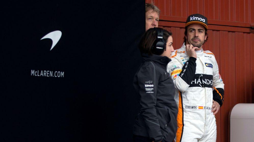 Foto: Fernando Alonso durante los pasados entrenamientos de F1 en Montmeló. (EFE)