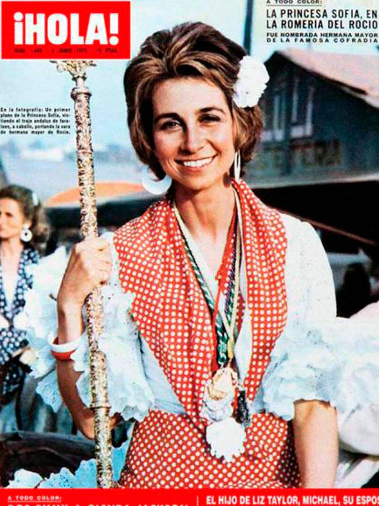 Portada de '¡Hola!' de la reina Sofía con un traje de Lina.
