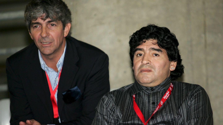 Paolo Rossi, en una imagen junto a Diego Armando Maradona, también fallecido recientemente. (EFE)