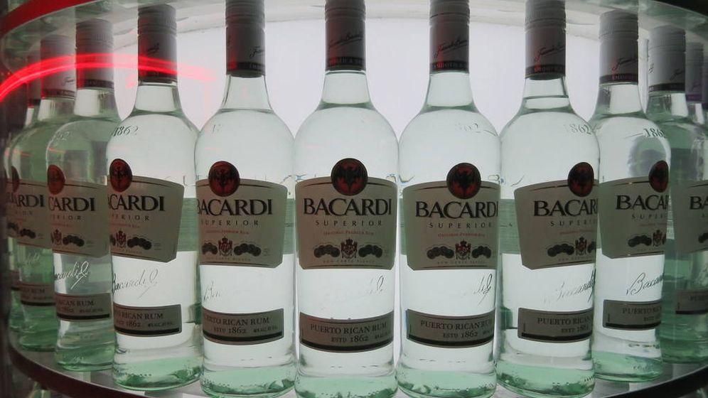 Foto: Foto de archivo de botellas de Bacardi.
