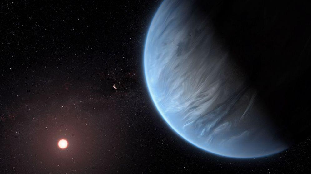 Foto: Imagen de la Agencia Espacial Europea (ESA) en la que se muestra a K2-18b orbitando alrededor de su estrella. (EFE)