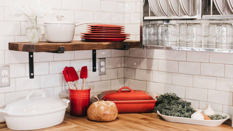 Claves para decorar una cocina con estilo rústico. (Becca Tapert para Unsplash)