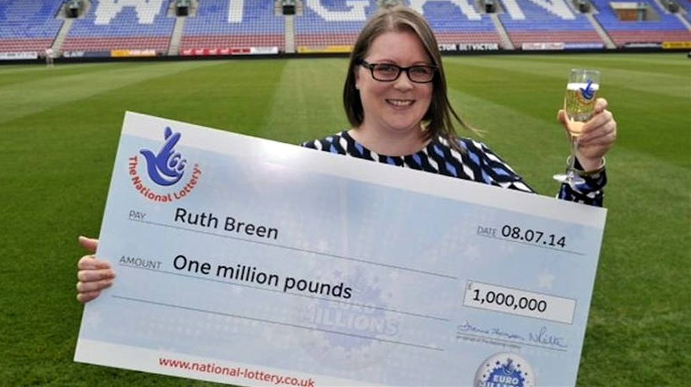 Foto: Ruth Breen, el día que recibió su premio de un millón de libras en 2014 (Foto: National Lottery)