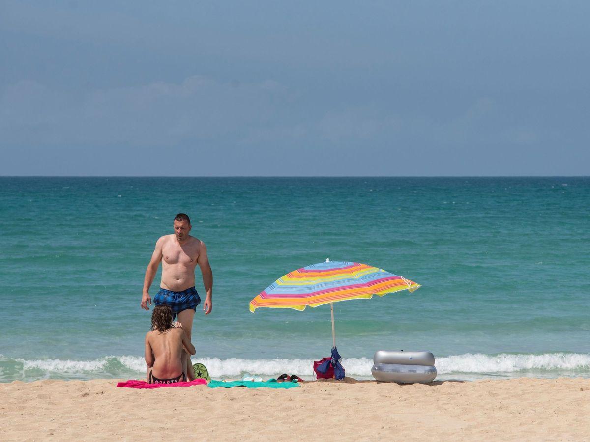 Foto: Turistas alemanes en las playas de Palma de Mallorca