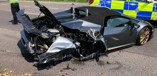 Post de Un accidente en carretera destroza su Lamborghini el mismo día que lo estrena