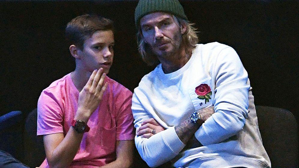 Foto: Romeo, en un partido de tenis con su padre David Beckham. (EFE)