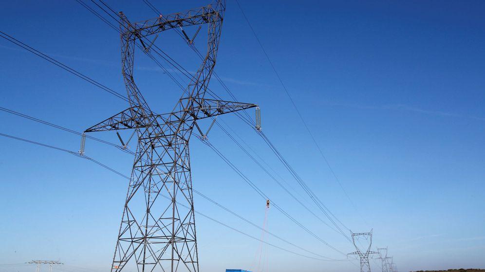 Foto: foto de archivo de una red de alta tensión. (Reuters)
