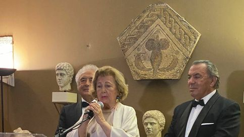 Cónclave de vips en casa de Mayte Spínola para la entrega de sus Medallas de Oro