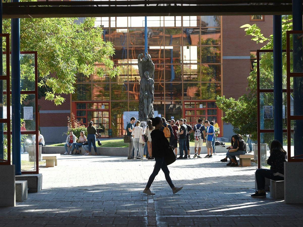 Foto: Jornada de huelga en la Universidad Rey Juan Carlos. (EFE/Fernando Villar)