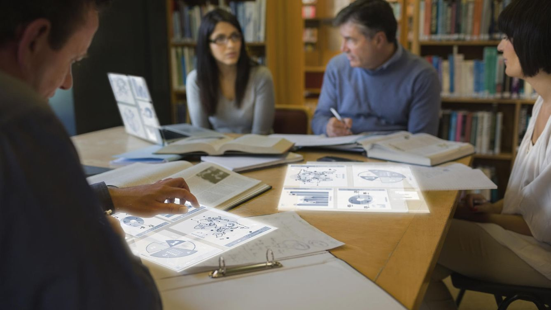 Foto: Para conseguir la acreditación, los candidatos deben diseñar un proceso de innovación en una empresa. (iStock)