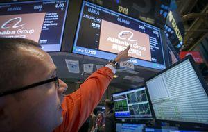 Alibaba no puede con Apple y le sigue en la carrera a los 110 dólares