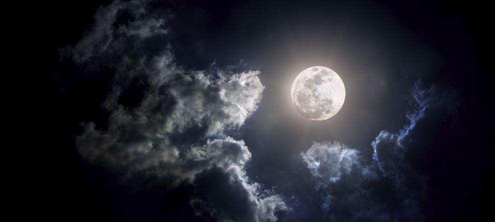 Foto: La creencia en torno a los efectos de la luna llena tiene más de cultura pagana que de científica. (iStock)