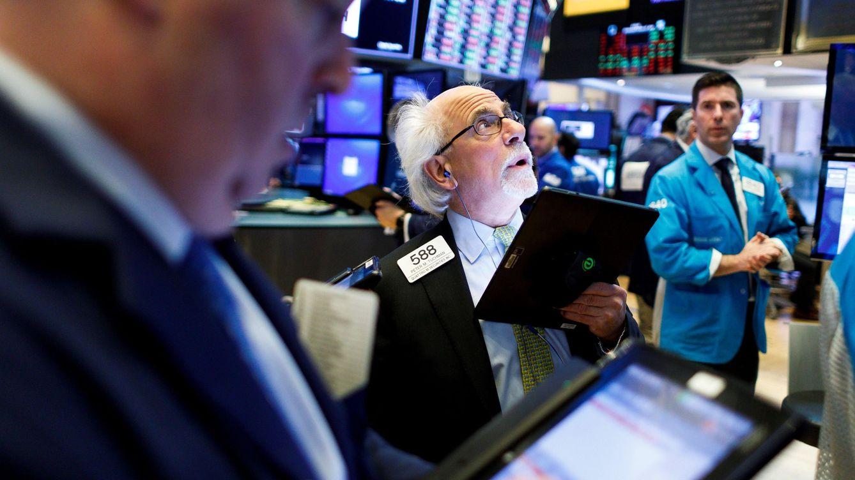 Los malos datos económicos hacen temblar a la bolsa y el 'bund' entra en negativo