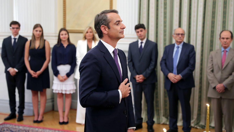 Foto: El conservador Kyriakos Mitsotakis se ha convertido en el nuevo primer ministro griego con una cómoda victoria frente a la Syriza de Tsipras. (Reuters)