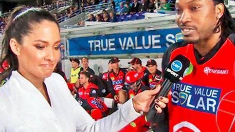 10.000 dólares de multa para el jugador de cricket que 'ligó' en directo con una periodista