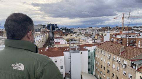 Nos montan 38 cocinas fantasma en el patio: el precio del 'boom' del 'delivery' en Madrid