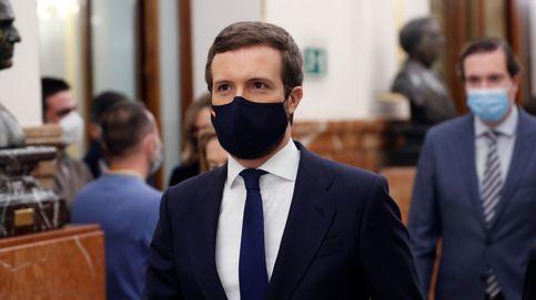 Pablo Casado estrena nuevo complemento en el Congreso (para no perderse nada)