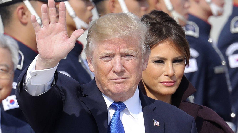 Donald Trump se pone gracioso: bromea con despedir a Melania Trump de la Casa Blanca