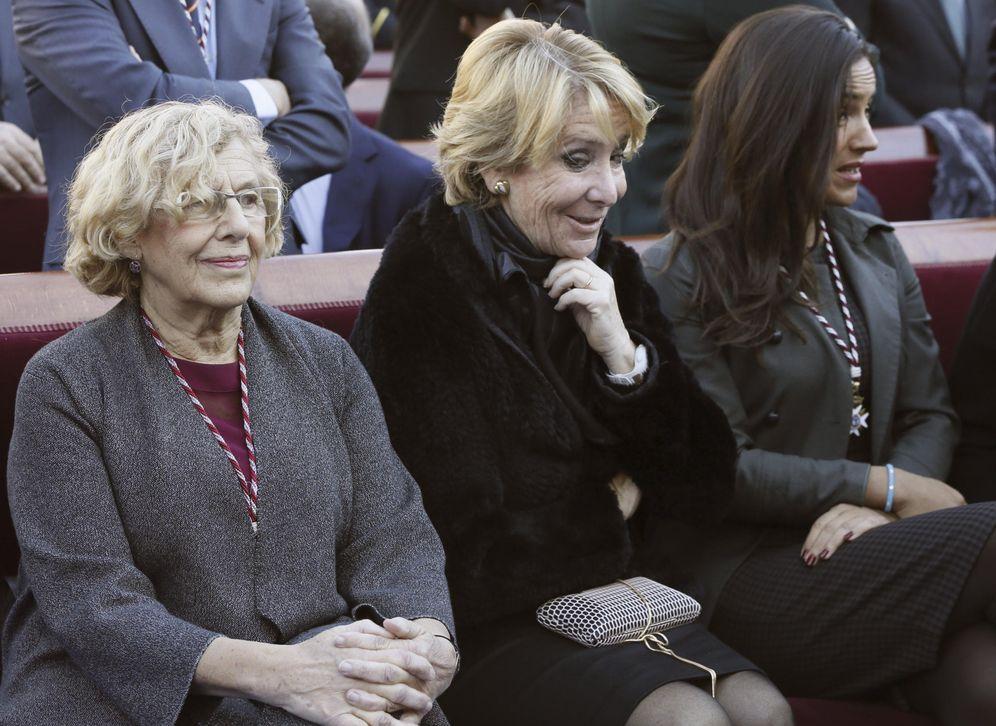 Foto: La alcaldesa de Madrid Manuela Carmena (i), junto a la portavoz popular en el Ayuntamiento, Esperanza Aguirre (c), y la portavoz de Ciudadanos, Begoña Villacís (d). (EFE)