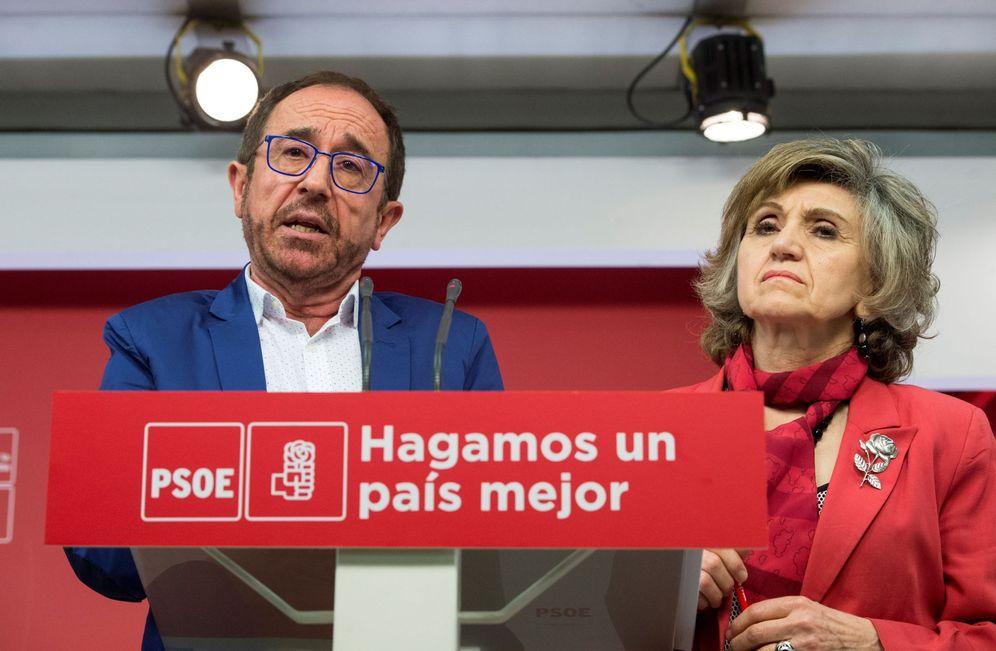 Foto: Andrés Perelló y Luisa Carcedo, secretarios de Justicia y Nuevos Derechos y de Sanidad, este 3 de mayo en rueda de prensa en Ferraz. (EFE)