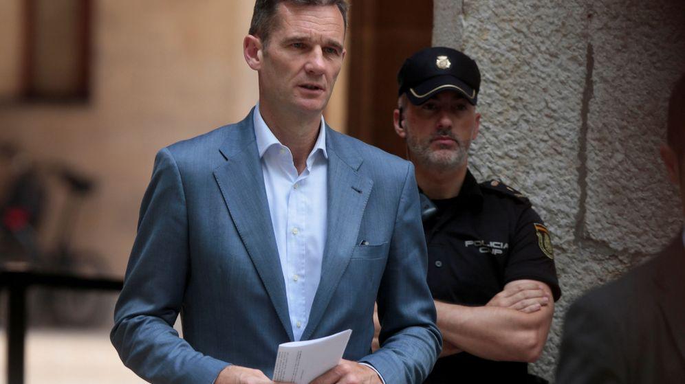 Foto: Iñaki Urdangarin recogió la orden de ingreso en prisión en Palma. (Reuters)