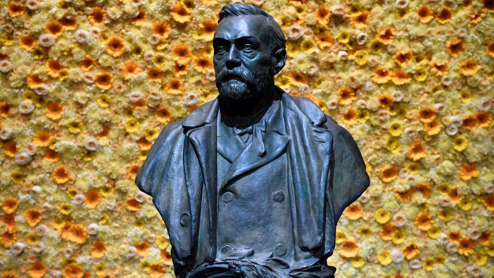 Foto: Busto del fundador de los Premios Nobel, Alfred Nobel. (Reuters)